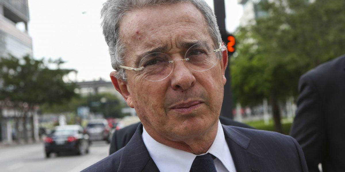 Condenan al exjefe de seguridad de Uribe, general en retiro Flavio Buitrago