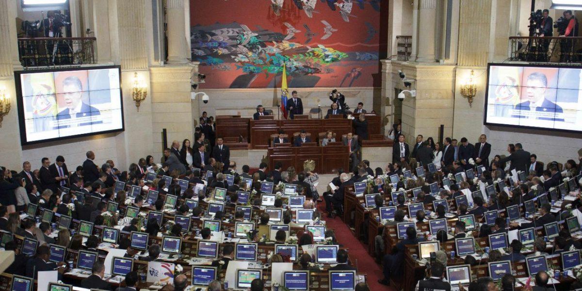 Uribismo propone revocar el Congreso si se refrenda la paz