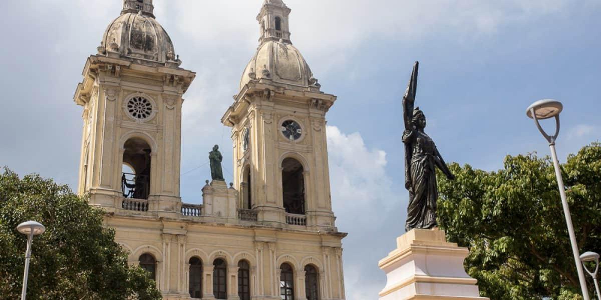 Recuperan plaza vecina al colegio donde estudió García Márquez en Barranquilla