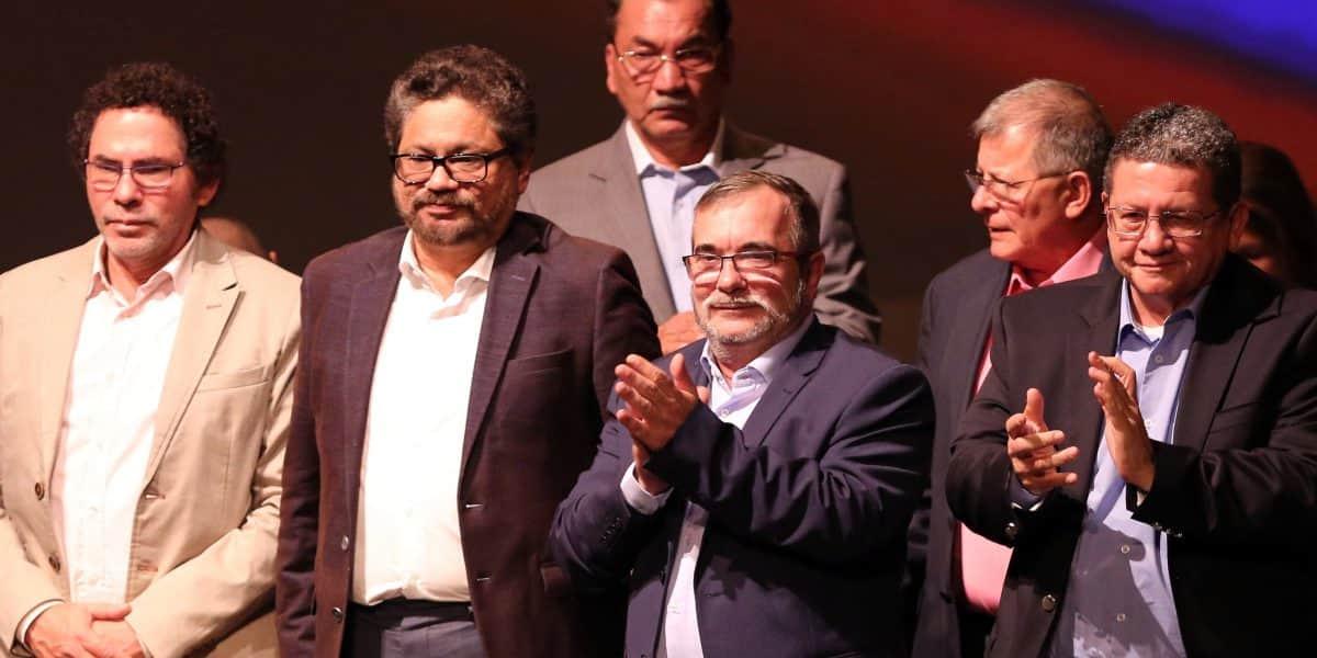 Las FARC dicen que con Castro parte el revolucionario más admirable del Siglo XX