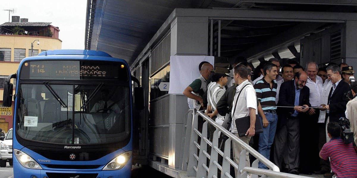 Presidente Santos presenta plan maestro de transporte para los próximos 20 años