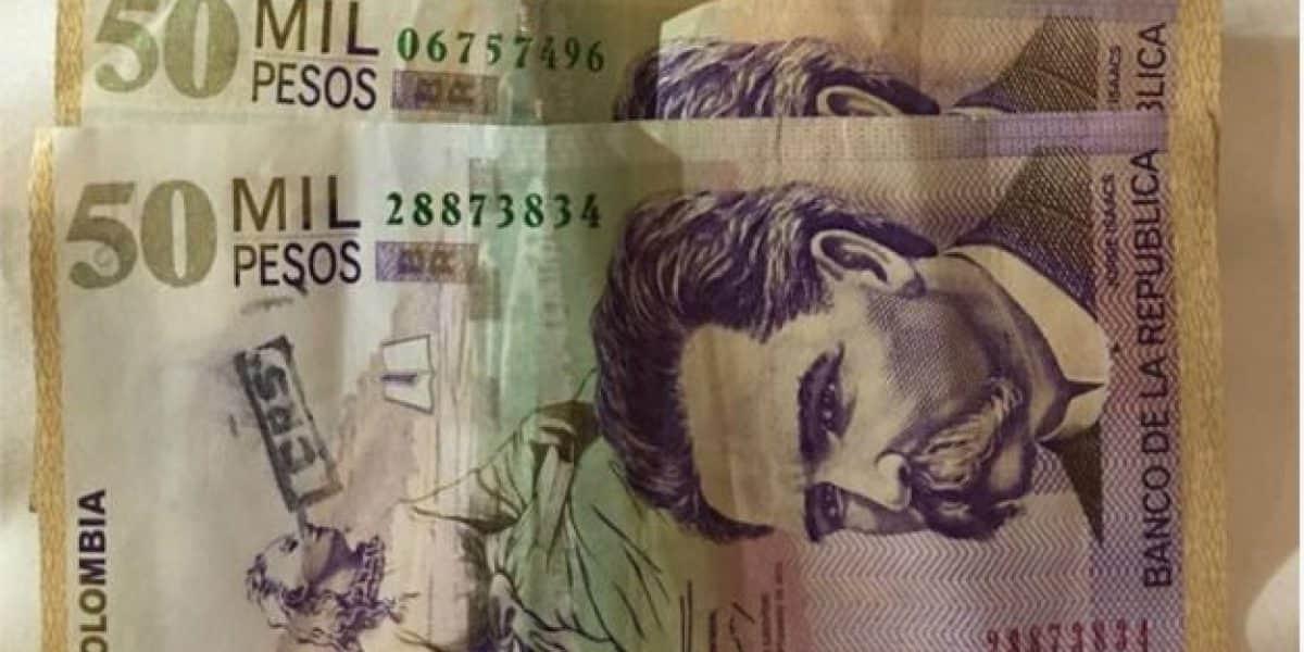 Camarero en Barranquilla encontró dinero en la basura y lo devolvió al huésped