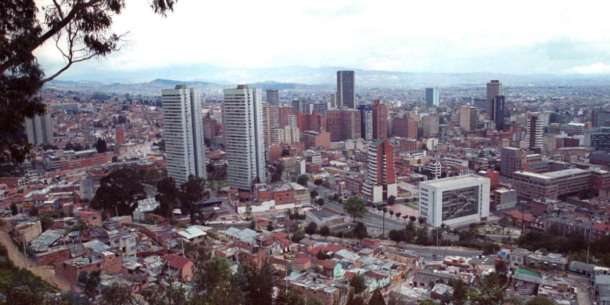 Siembran en Bogotá un bosque para homenajear 19 víctimas del conflicto armado