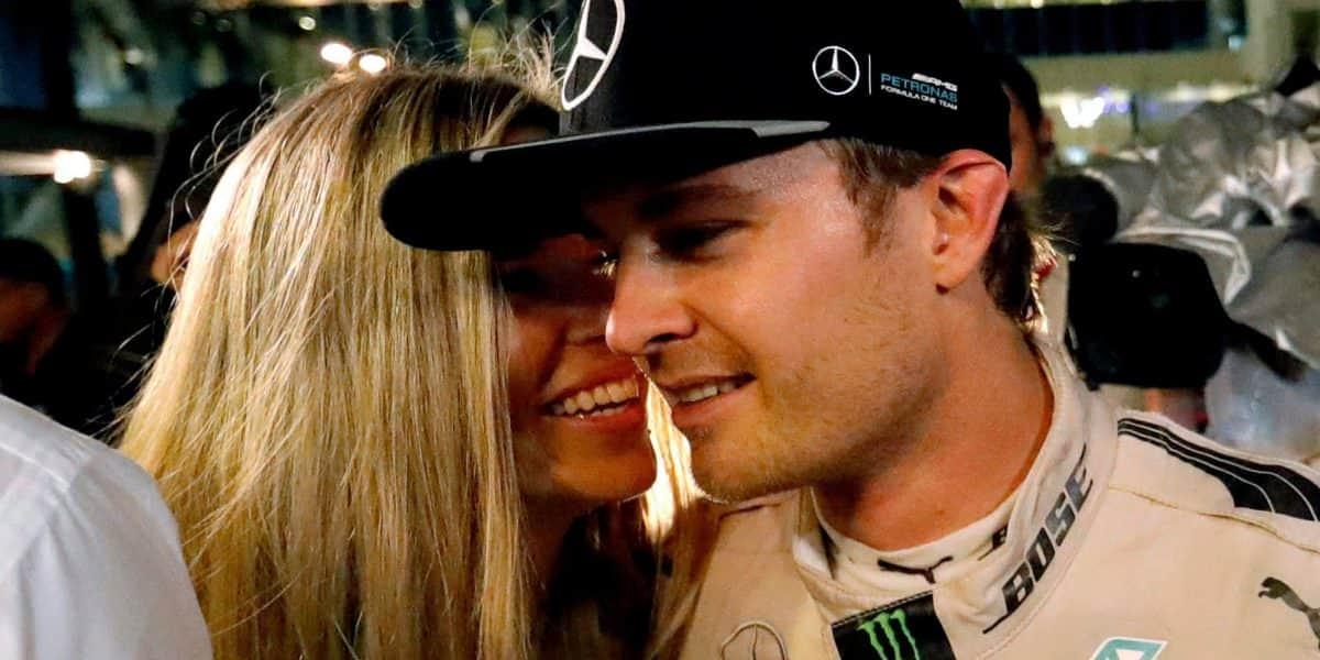 El regalo de Nico Rosberg a sus padres, tras el título mundial