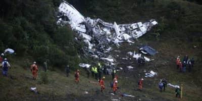 ACCIDENTE AÉREO EN COLOMBIA CON 76 MUERTOS ENLUTA A LATINOAMÉRICA Y AL FÚTBOL. Imagen Por: EFE