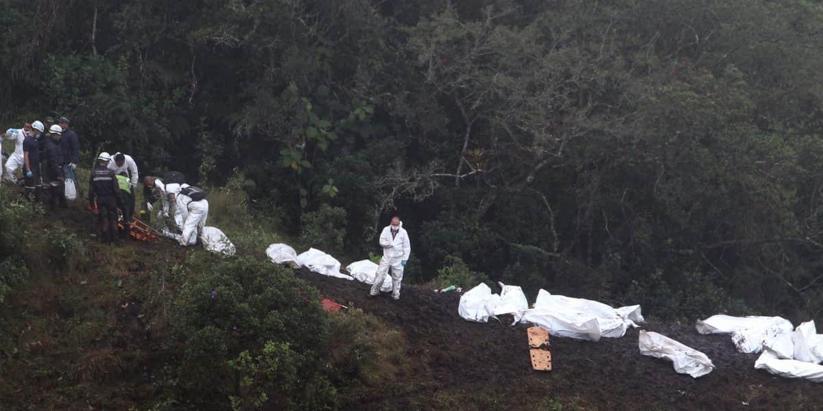 Cancillería colombiana coordina repatriación de víctimas de accidente aéreo