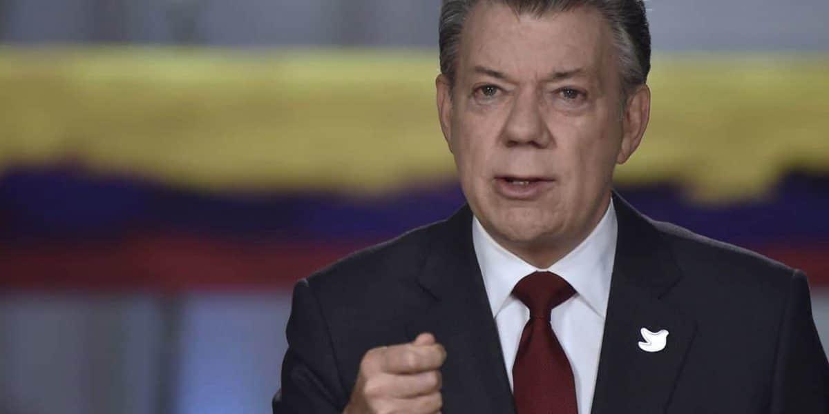 Santos dice tragedia Chapecoense enluta Colombia y confirma 6 supervivientes