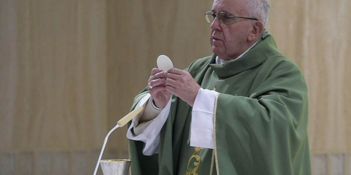 Papa Francisco envía mensaje por accidente de Chapecoense