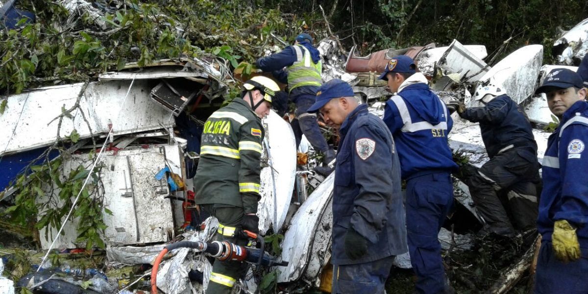 Culmina operación de rescate de los pasajeros del accidente aéreo de Chapecoense
