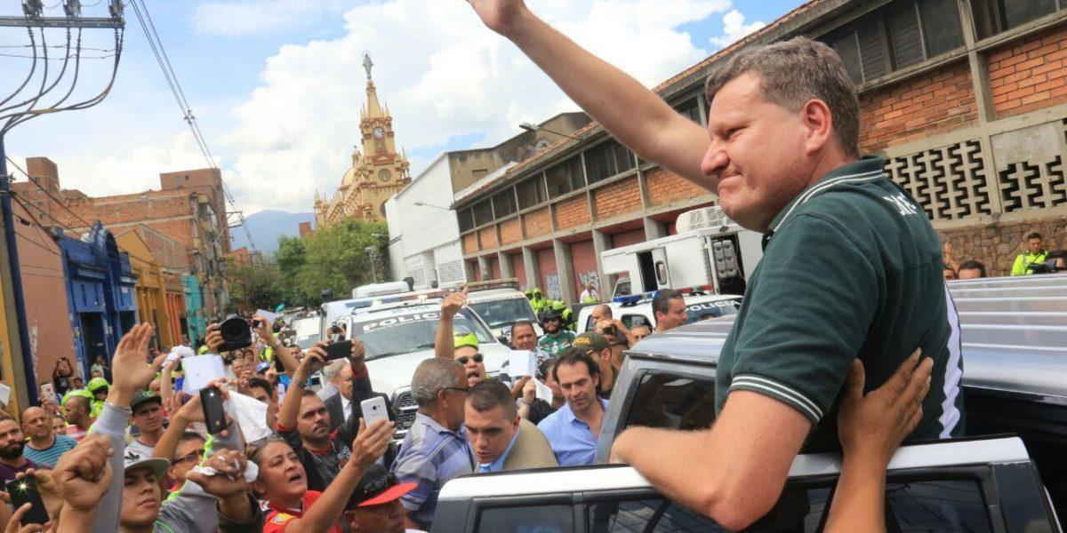 Medellín salió a las calles a darle el último adiós al Chapecoense