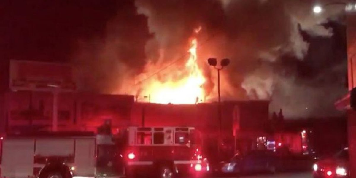 Al menos nueve muertos en un incendio durante fiesta en California