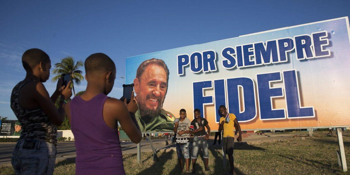 Las cenizas de Fidel Castro son trasladadas al cementerio de Santa Ifigenia