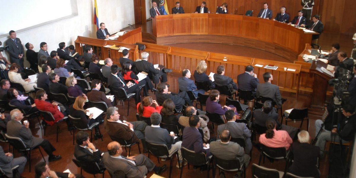 Este lunes la Corte Constitucional tomará una decisión sobre el 'fast track'
