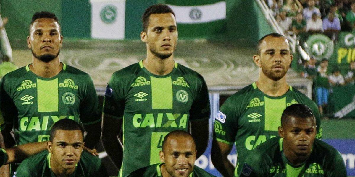 Médicos ya le contaron a jugador del Chapecoense Helio Neto que sus compañeros fallecieron