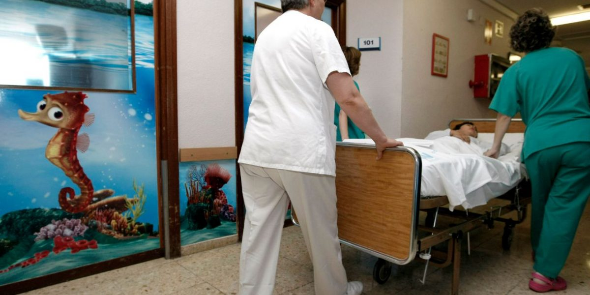 Por obstaculizar una entrada, mujer fue golpeada por un hombre en Cedritos