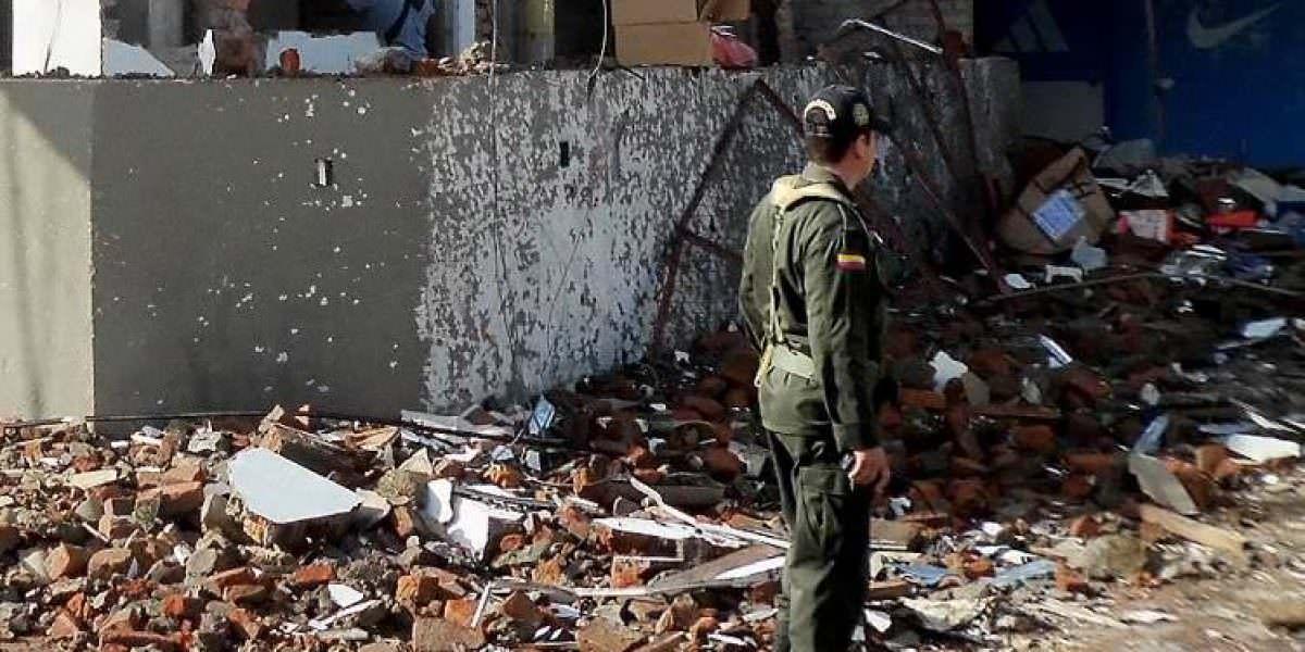 Mueren dos personas y 23 resultan heridas en atentado contra un bar en Tumaco