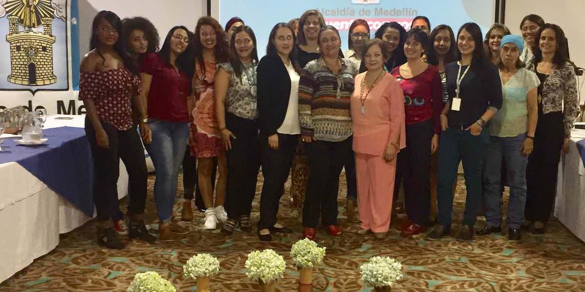 Medellín recibió reconocimiento del BID por el apoyo al liderazgo de las mujeres