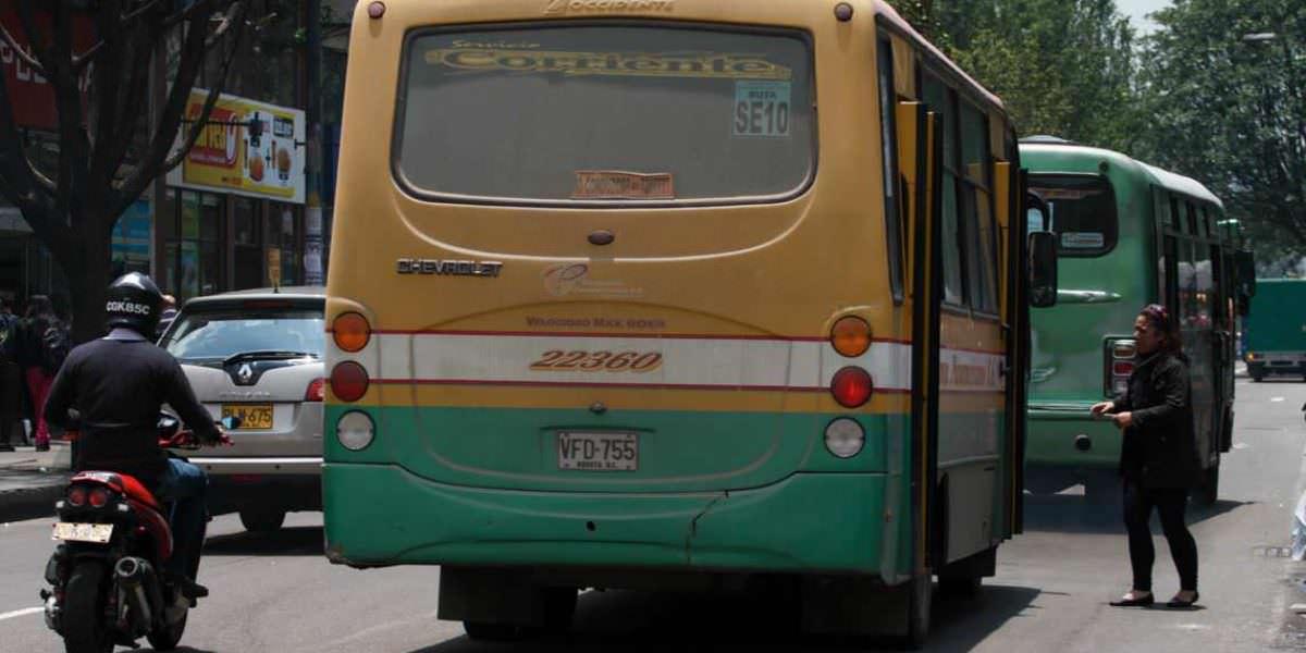 Los bogotanos gastan 97 minutos al día en el transporte público