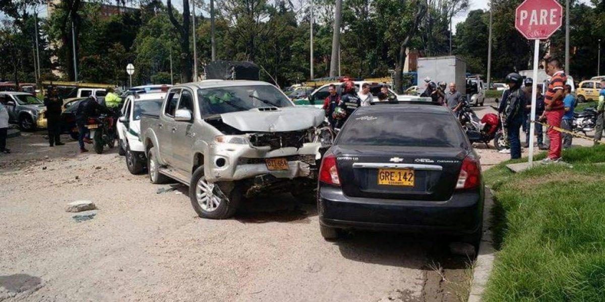 Policía identifica al hombre que causó multiple accidente y balacera en Bogotá