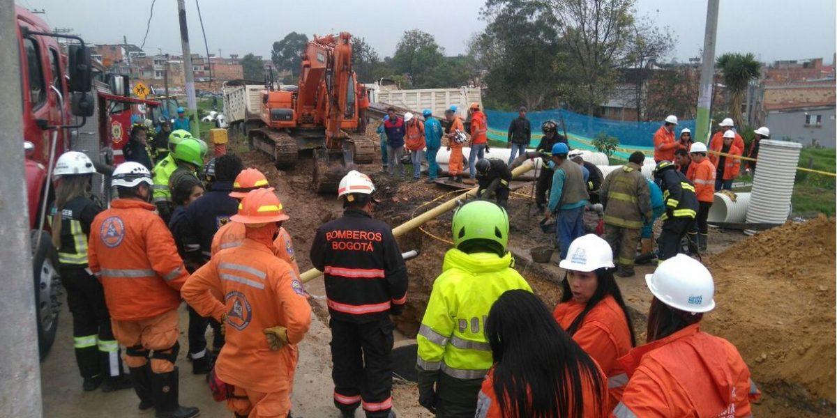 Dos operarios del acueducto quedaron atrapados tras deslizamiento en el sur de Bogotá