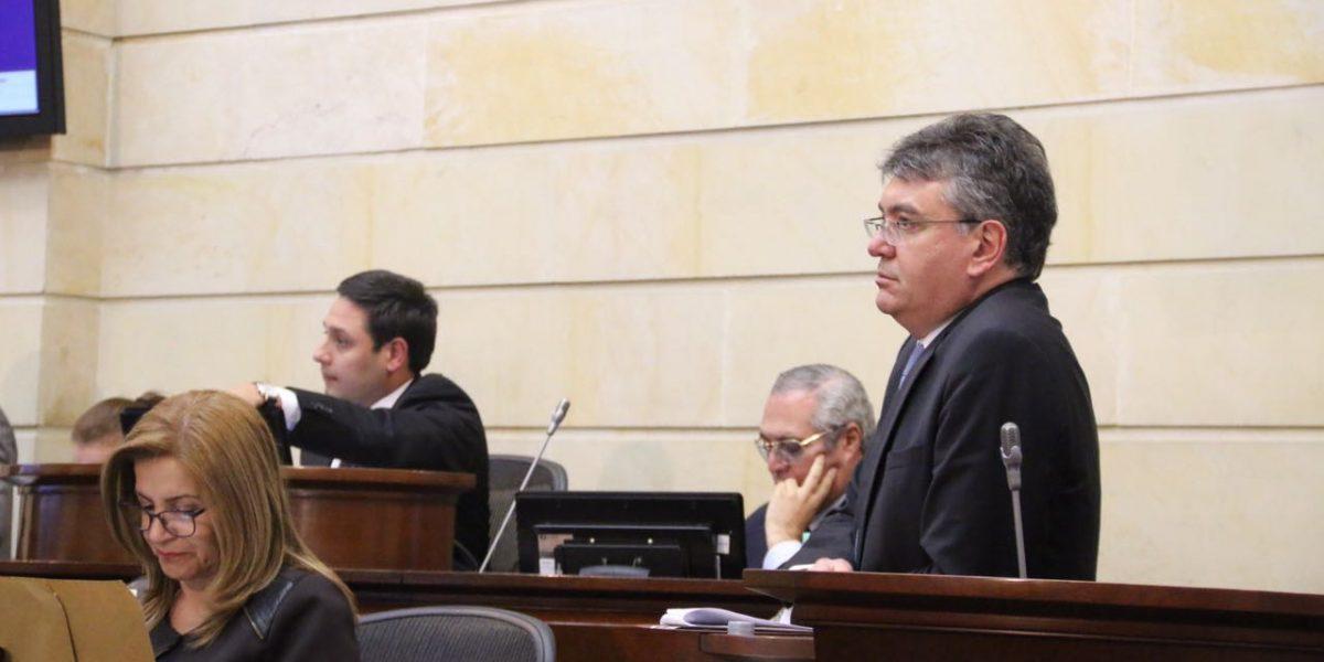 Congreso aprueba en bloque gran parte de la reforma tributaria
