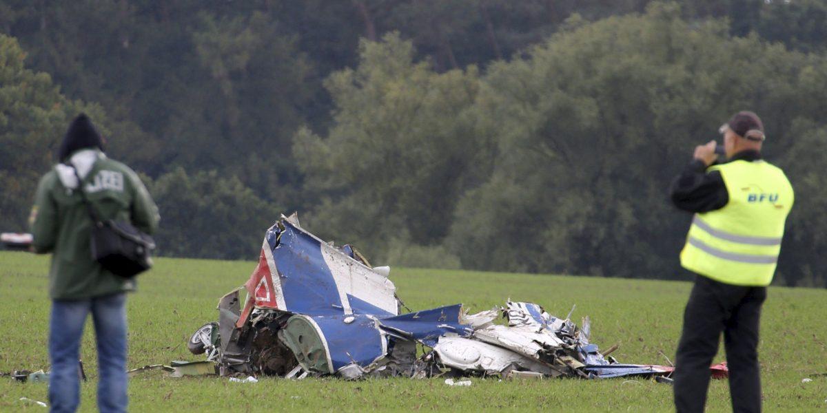 Mueren tres personas en accidente de avioneta en Brasil