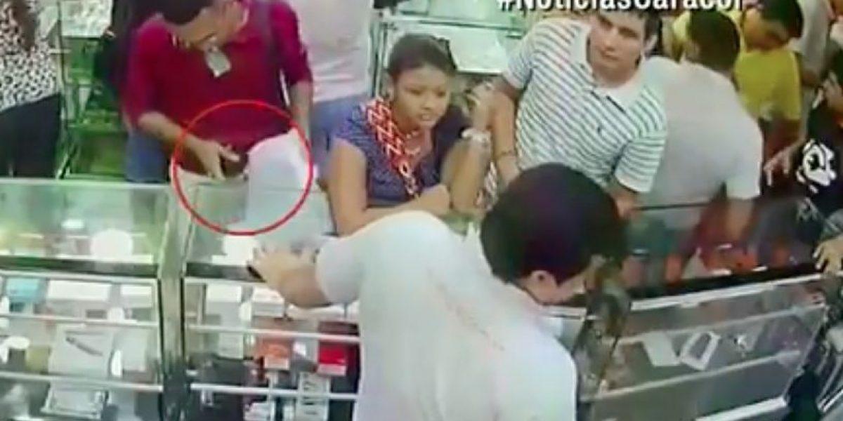 Así le cambian su celular por un juguete los ladrones en Barranquilla
