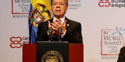 Santos pide al país no permitir que se atente contra la paz
