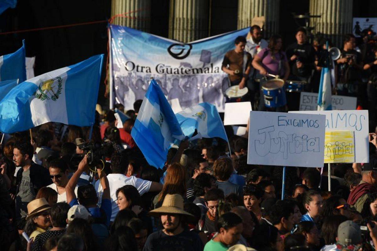 manifestacion-hoarseguro-victimas-incendio-guatemala6