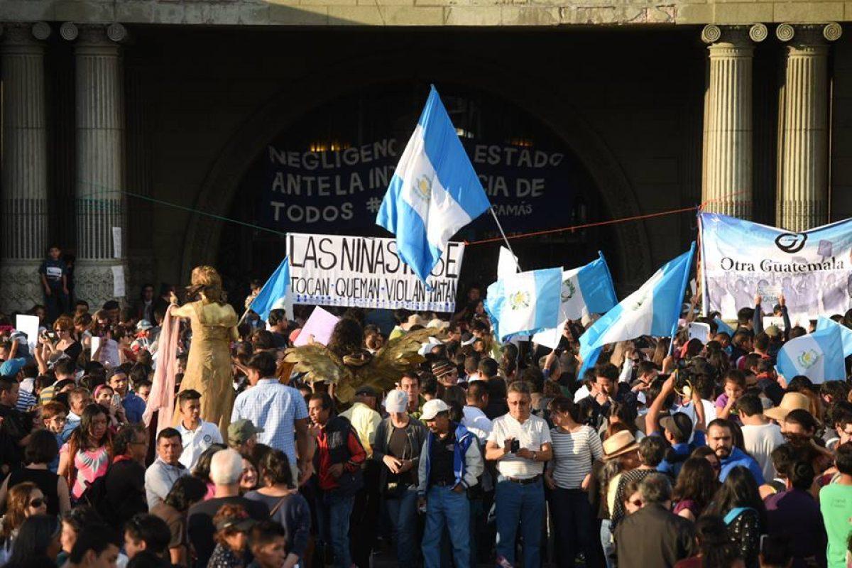 manifestacion-hoarseguro-victimas-incendio-guatemala7