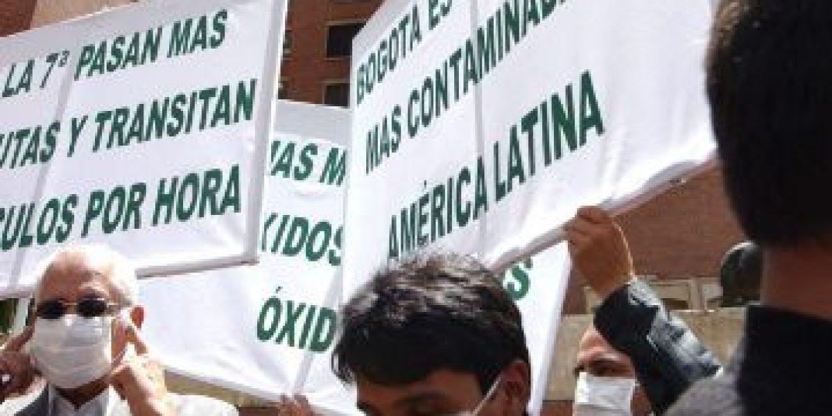 El 70% del aire que respira en Bogotá podría afectar sus pulmones