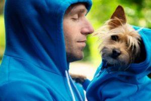 Doga, el yoga para que usted haga junto a su mascota y le ayude a disminuir el estrés