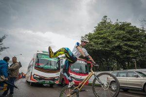El hombre que con su bicicleta se salvó del trancón del Estéreo Picnic