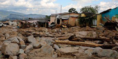 De los 210 muertos por avalancha en Colombia, 63 eran niños