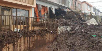 Así rescataron a un niño que estaba entre los escombros en Manizales