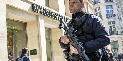 Sospechoso de atentado terrorista en París se entrega en Bélgica