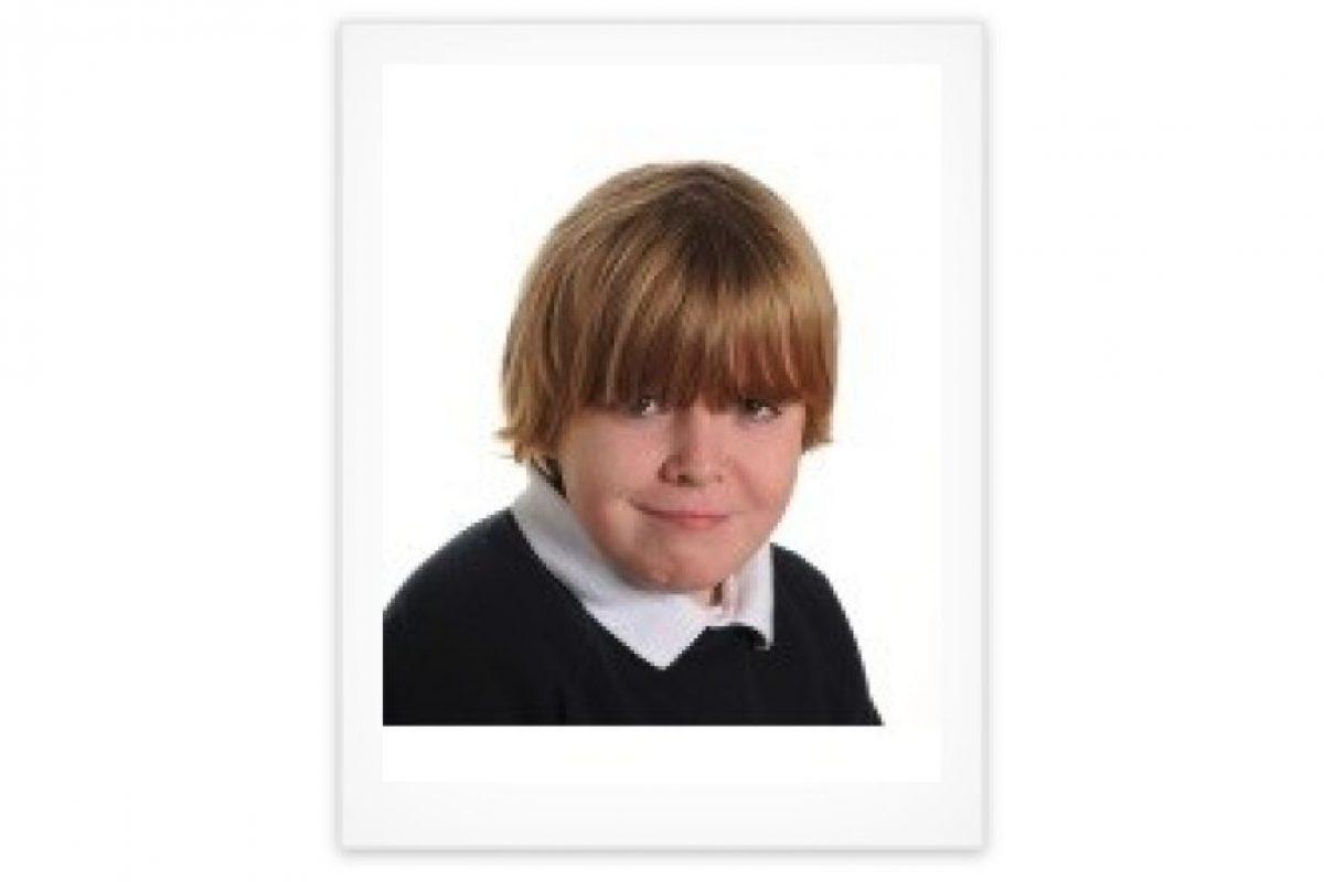 Peter Mills-Cole tenía nueve años cuando murió en un accidente de bicicleta. Foto:peter-millscoles.muchloved.com