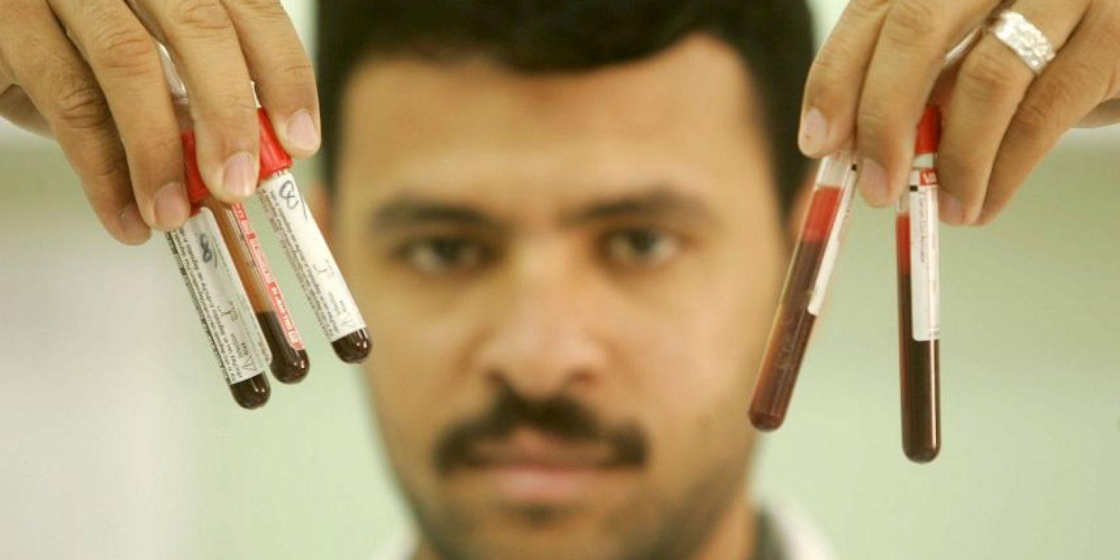 También se pide encarecidamente a otras muchas personas del mundo que donen sangre de forma voluntaria con regularidad Foto:Getty Images