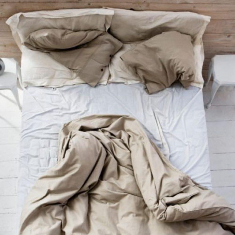 4. Algunas personas suelen comer en la cama, por lo que esta falta de higiene puede resultar perjudicial para nuestra salud. Foto:Tumblr.com/Tagged/sábanas