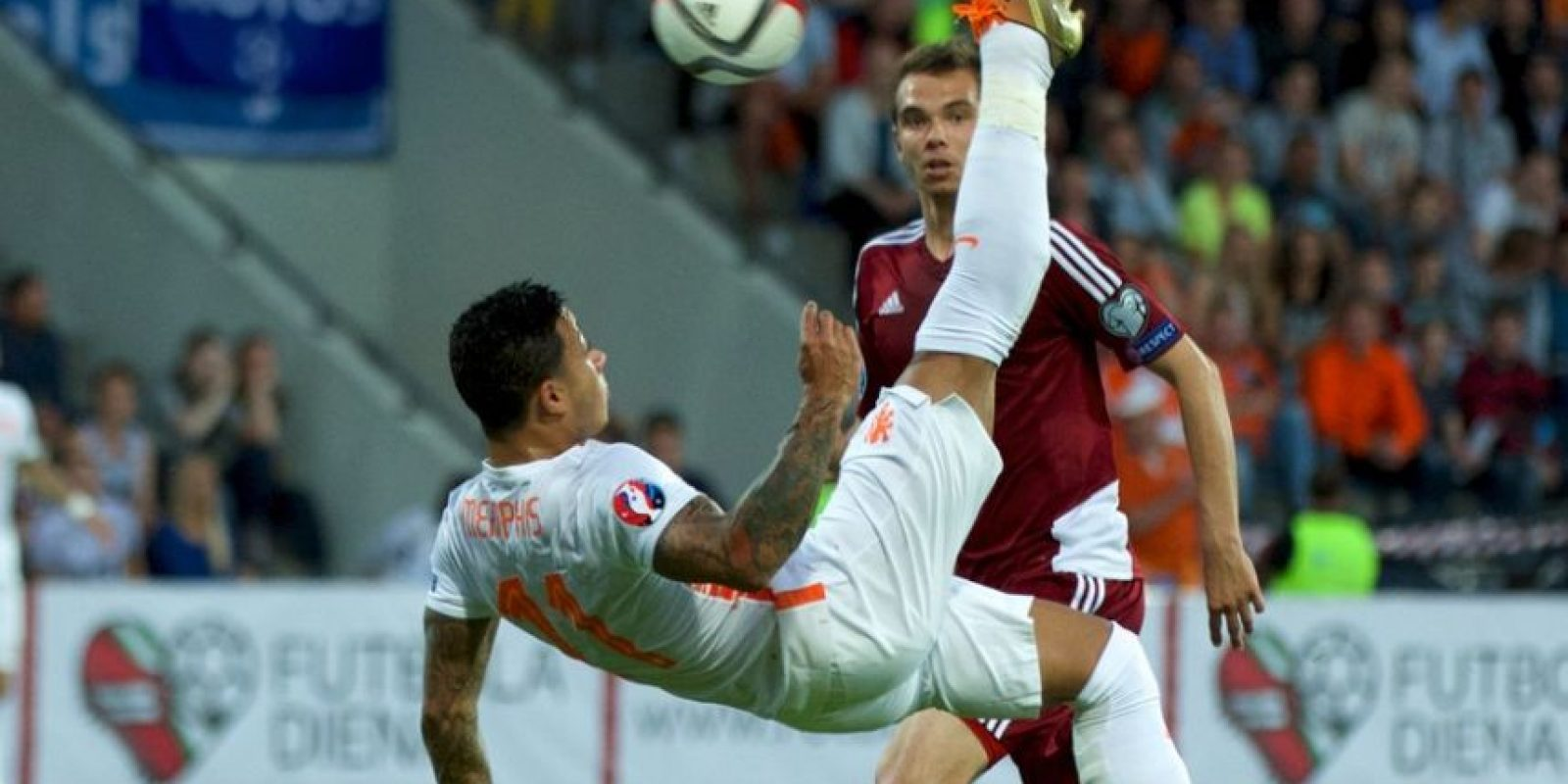 "La ""Naranja Mecánica"" revivió ante Letonia con un triunfo de 2-0 gracias a goles de eorgino Wijnaldum y Luciano Narsingh. Foto:uefa.com"