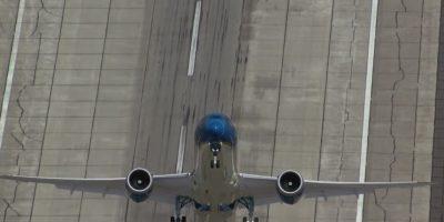 """VIDEO: Este es el sorprendente avión que """"despega"""" en vertical"""