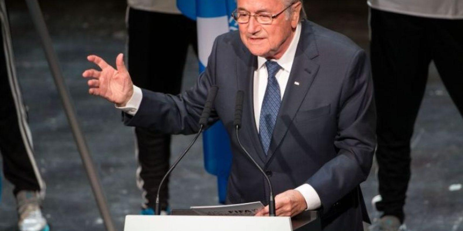 """""""Yo, generalmente, no asistía a las cenas en las que Blatter escuchaba las peticiones. Cuando llegaba, me marchaba al siguiente país que iba a visitar para prepararle el terreno"""", añadió el informante. Foto:AFP"""