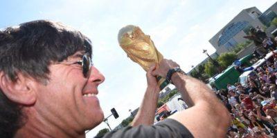 Löw celebrando el campeontao en Berlín, Alemania. Foto:Getty Images