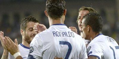 Ya van varias veces que la afición vitorea al argentino cuando el portugués está en la cancha. Foto:AFP