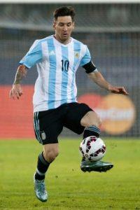 """Argentina ganaba 2-0 a pocos minutos del final, pero los """"guaraníes"""" les empataron. Foto:Getty Images"""
