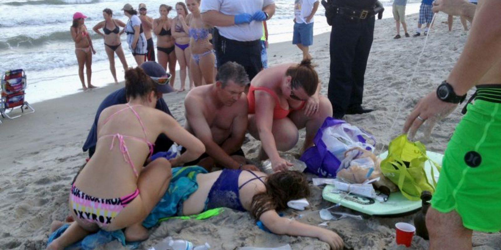 Dos adolescentes sobrevivieron al ataque de tiburones en las costas de Carolina del Norte. Foto:AP