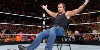 Ambrose provocó que Rollins dejara el ring Foto:WWE