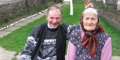 VIDEO: Mujer de 100 años revela inesperado secreto para la longevidad