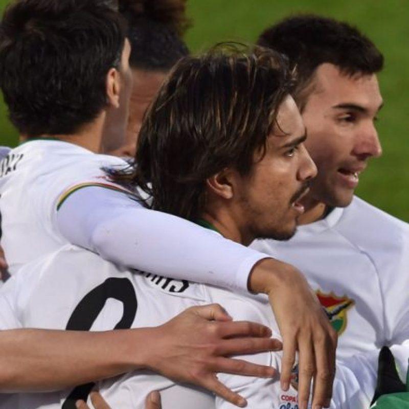 Bolivia superó 3-2 a Ecuador en la segunda jornada del Grupo A Foto:AFP