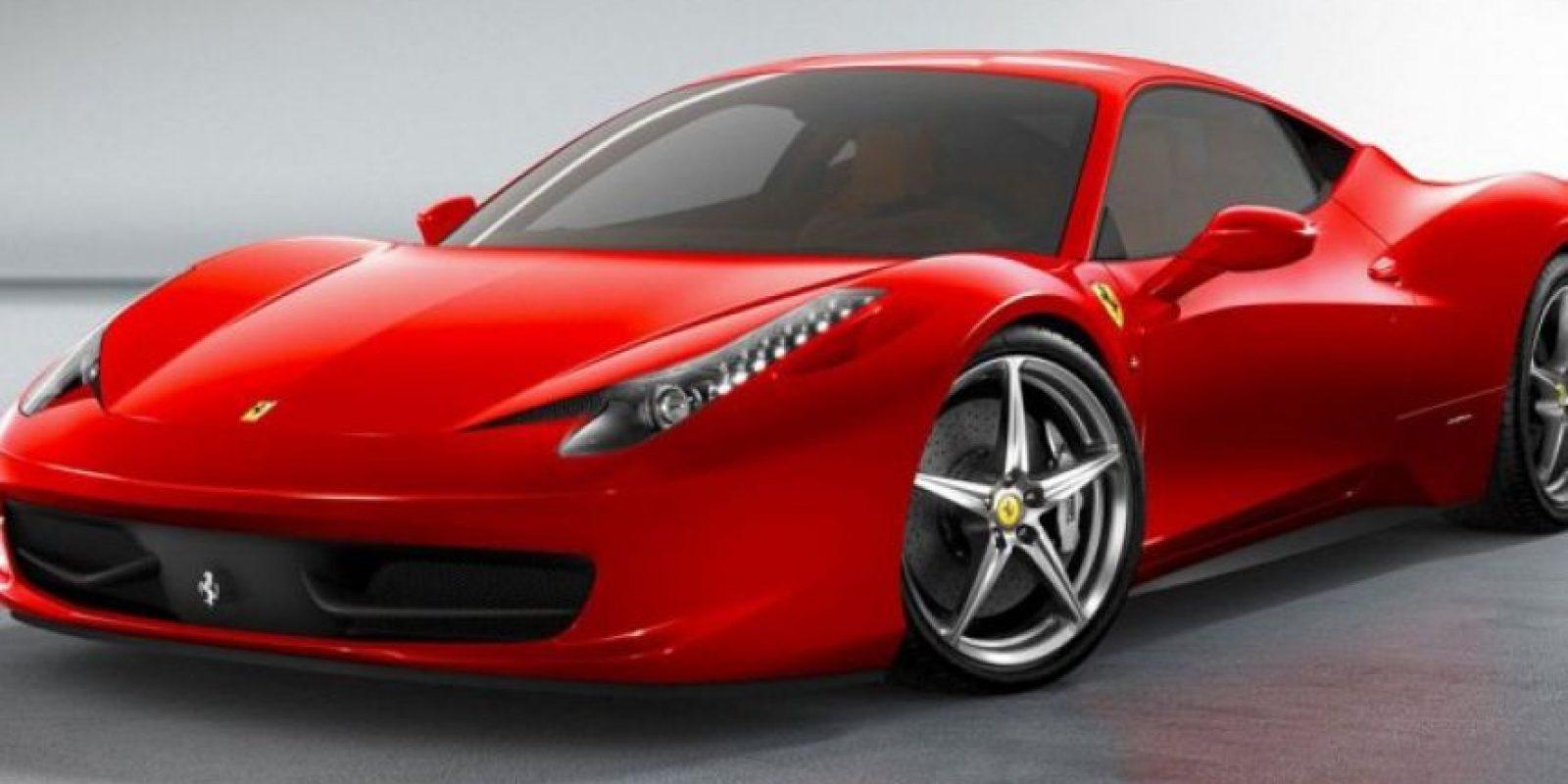 """Este automóvil, nombrado """"Ferrari 458 Italia"""" fue lanzado en 2009 y tiene un precio aproximado de 250 mil dólares. Foto:ferrari.com"""